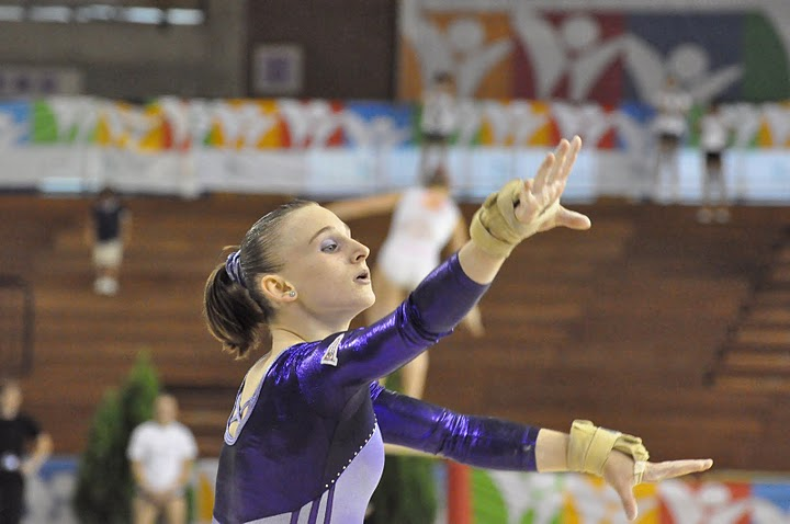 Claudia Menéndez en suelo. Foto: Lina Sáez.