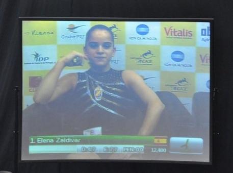 Elena_Zaldivar satisfecha de su actuación en suelo. Foto: Lina Sáez.
