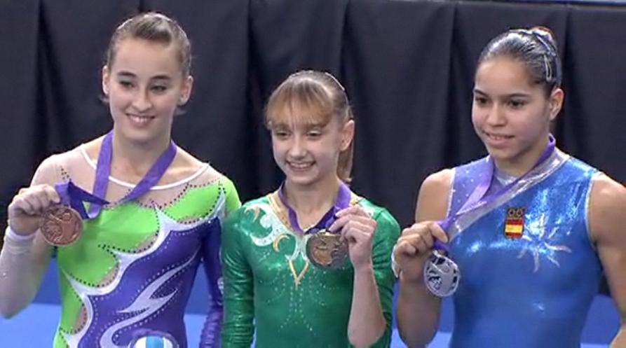 Medallistas de la final de salto femenino.