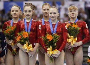 Rusia en el podio de los Europeos 2010. Foto: Reuters Pictures/Darren Staples.