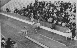 Dolores Tello en la final de salto de los JJ. MM. de Esmirna 1971